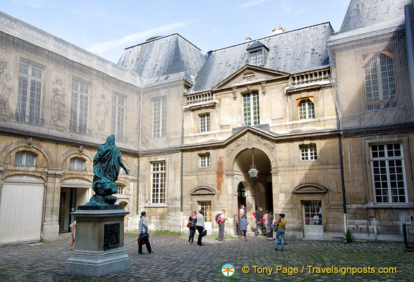Statue of Louis XIV in the courtyard of the Hotel Carnavalet