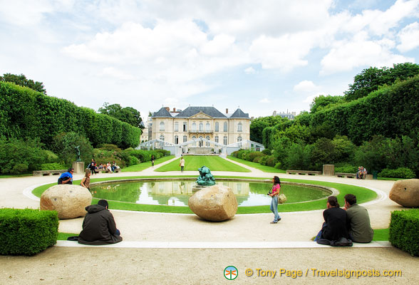 Extensive grounds of the Musée Rodin