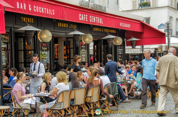 Café Central at 40 rue Cler