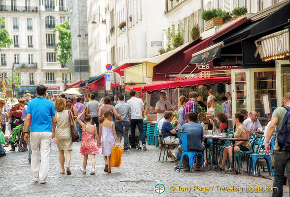 Tourists in rue Cler