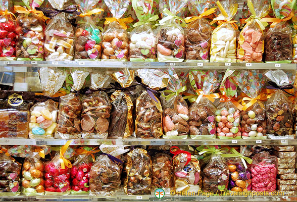 Bags of sweets and chocolates at Maison Stohrer