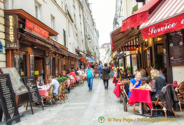 More cafés and restaurants on rue du Pot de Fer, off rue Mouffetard