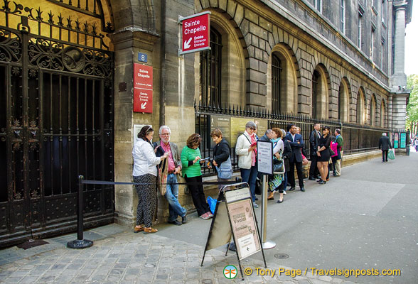 Sainte-Chapelle concert queue
