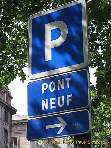 Sign to Pont Neuf