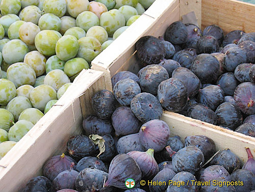 Plums and figs at Raspail market