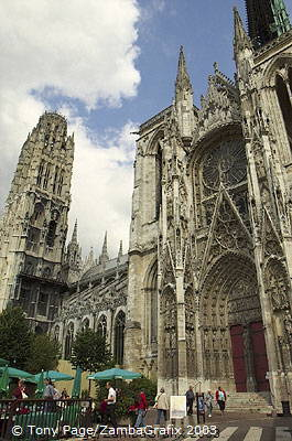 Several of his cathedral series can be seen in the Musee d'Orsay in Paris [Rouen - France]