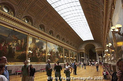 Hall of Battles, opened by King Louis-Philippe in 1837, houses paintings depicting Frances's military triumphs [Palace of Versa