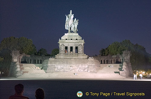 The huge monument of Kaiser Wilhelm I can be seen at Deutsches Eck (German corner)