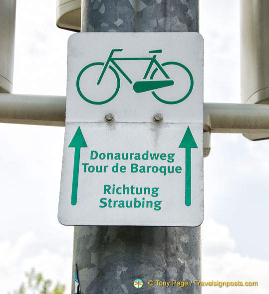 Donauradweg - Danube cycle path - a tour of the Baroque