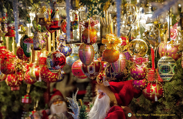 Decorations In Germany During Christmas : Christmas decorations at the nuremberg market