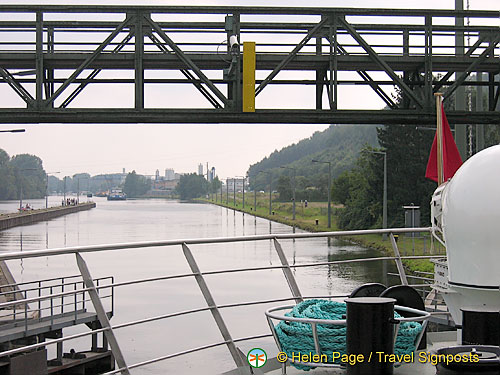 [Main Locks - Europe River Cruise - Germany]