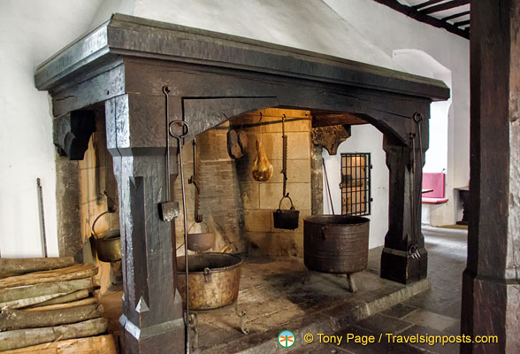 Marksburg - Great Hall kitchen fireplace