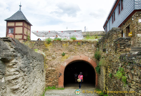 Marksburg Castle - vaulted tunnel