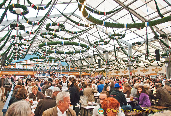 Schottenhamel - the largest of the Oktoberfest tents