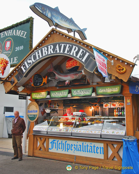 Fischbraterei has calamari and fish and chips