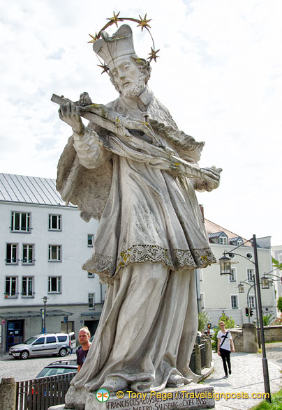 Statue of Bishop Franciscus Aloysius von Lamberg