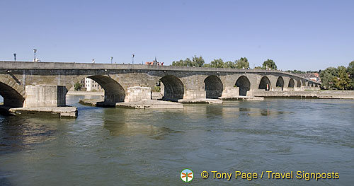 View of Steineme Brücke and its 16 arches
