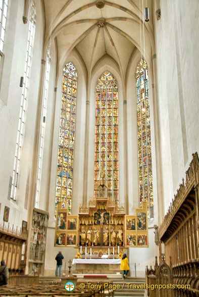 Nave and high altar of Jakobskirche