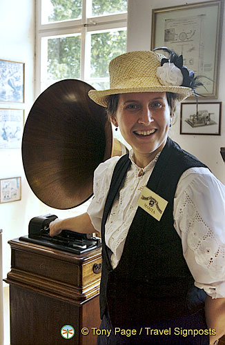 A gramaphone demonstration