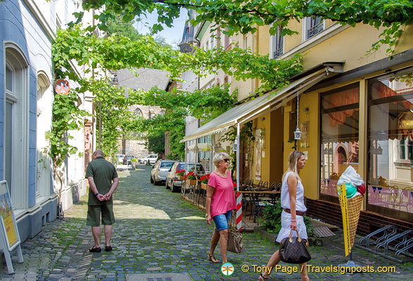 Tourists in Traben-Trarbach