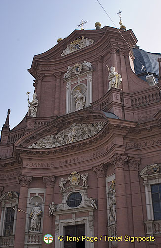 Red sandstone facade of Neumunster-Kirche