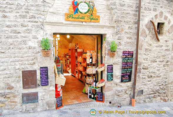 A delicatessen with typical Umbrian produce