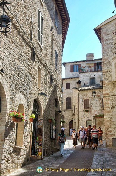 Narrow medieval street of Assisi