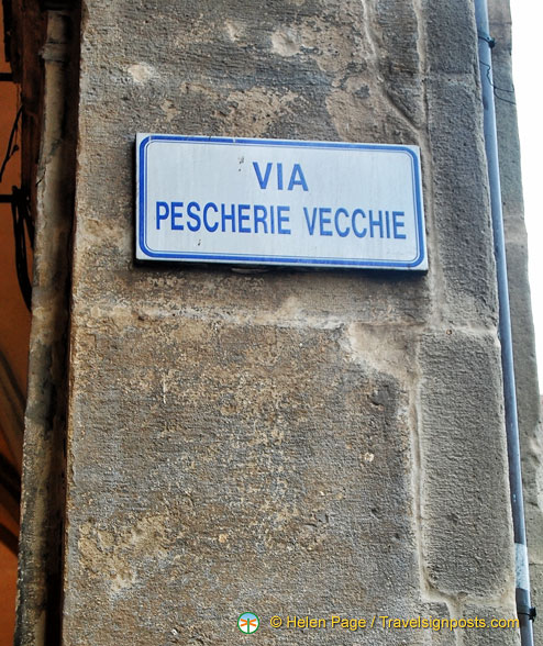 Via Pescherie Vecchie - where the Bologna food market is