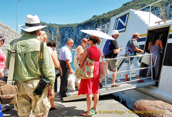 Boarding our hydrofoil back to Sorrento