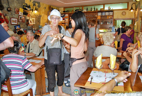 Hosteria La Fraschetta (Cose Buone) was very busy when we visited