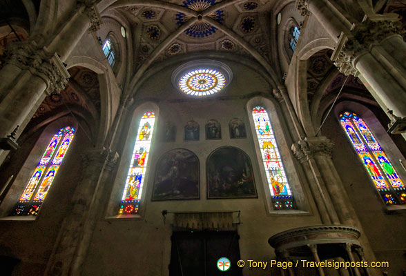 Stained windows of Como Duomo