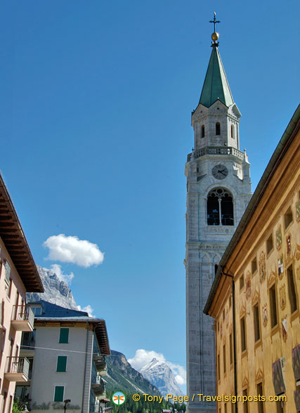 The history of the bell tower dates back to 1590