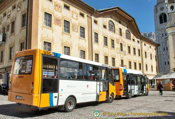 Cortina d'Ampezzo town buses