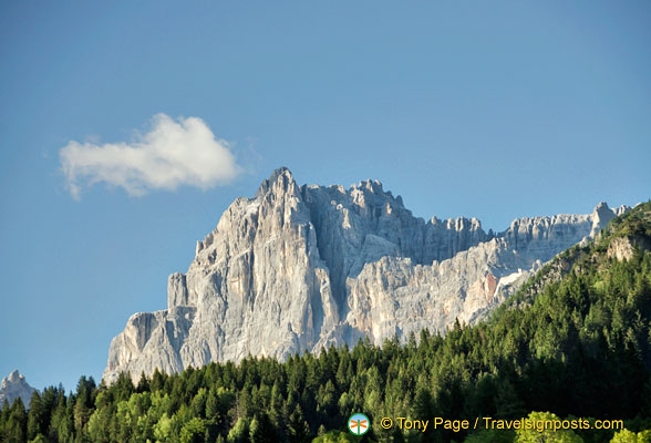 The jagged cliffs of the mighty Dolomites