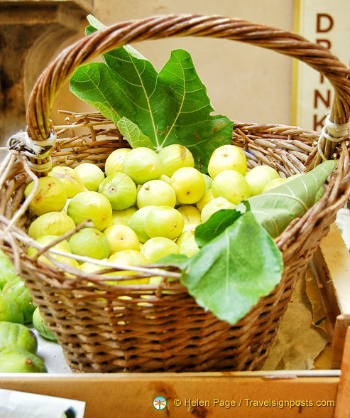 Lovely green figs