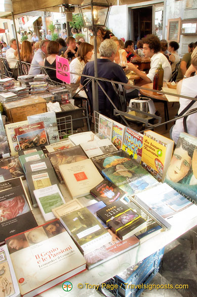 Bookshop at the Santo Spirito market