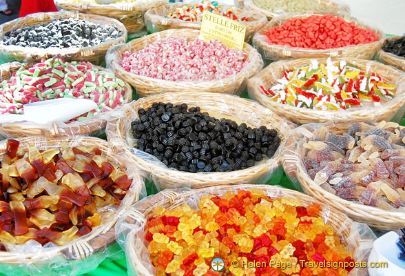 Santo Spirito market - Colourful sweets
