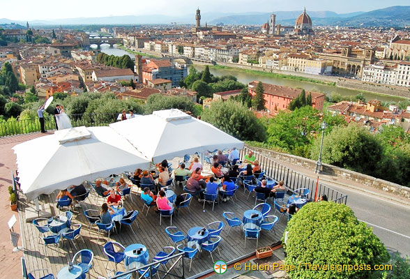 A nice cafe from where to enjoy the city views of Florence