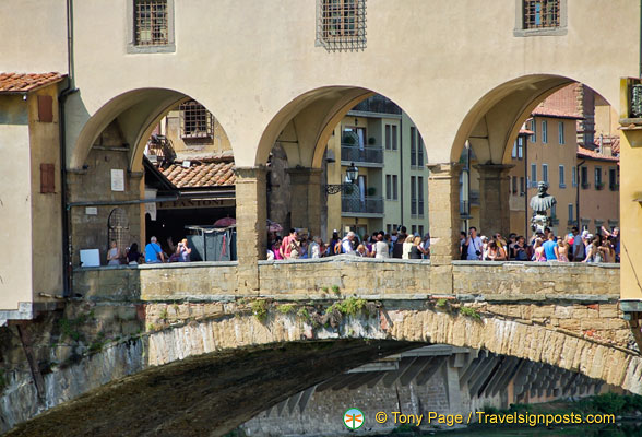 The shops on Ponte Vecchio sell jewelry, artwork and souvenirs