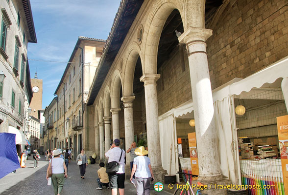 Corso Cavour in the hear of Orvieto
