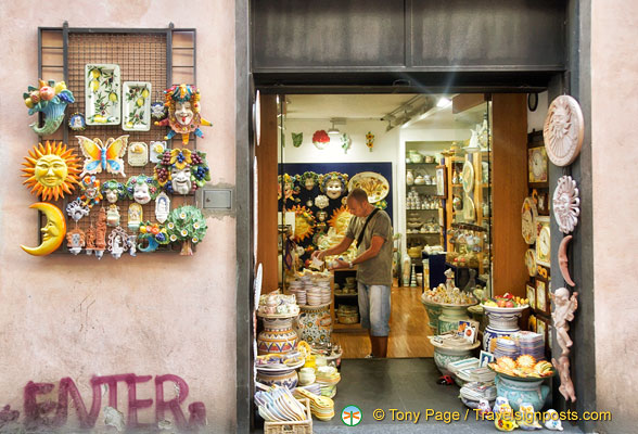 One of the many ceramic shops in Orvieto