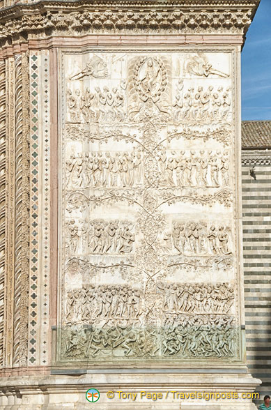 The Last Judgment is depicted on the last of the four bas reliefs on the Duomo