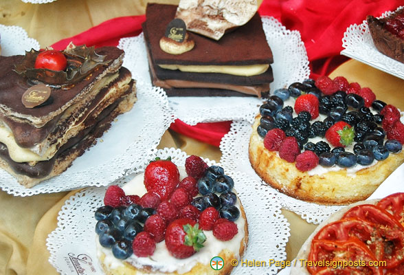 Most delicious-looking cakes in Sandri
