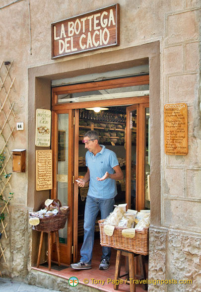La Bottega del Cacio, one of the many fine food shops