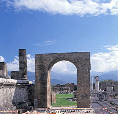 One of the surviving Pompeii arches