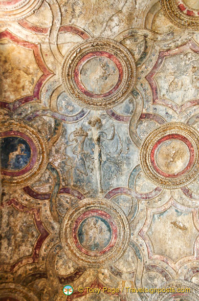 Ceiling of the Stabian Baths apodyterium