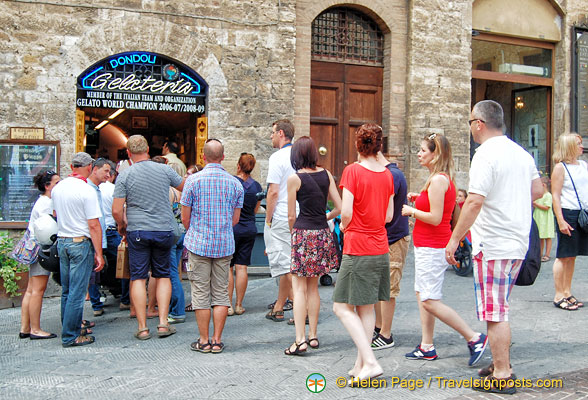 The queue for Dondoli gelato