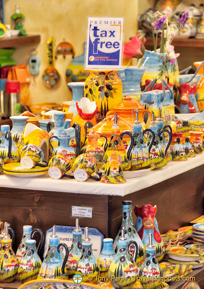 San Gimignano pottery tax-free shopping