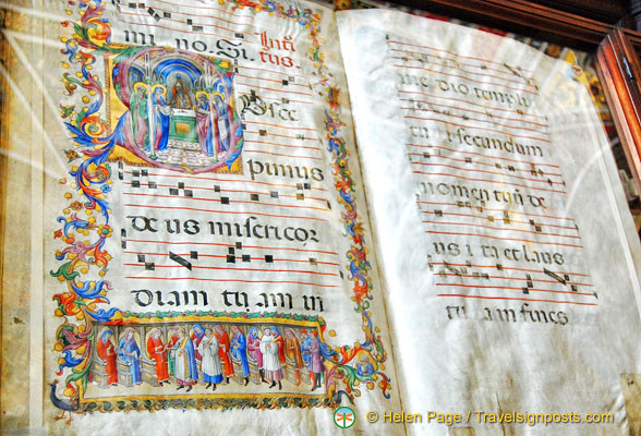 Richly illustrated Renaissance hymn books