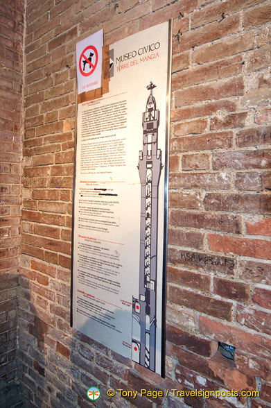 Information about climbing the Torre del Mangia